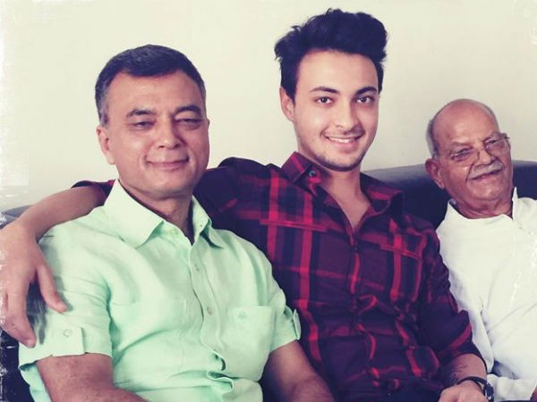 Aayush Sharma Father