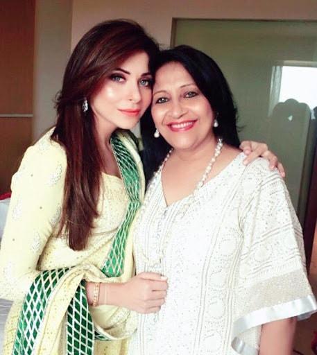 Kanika Kapoor Mother