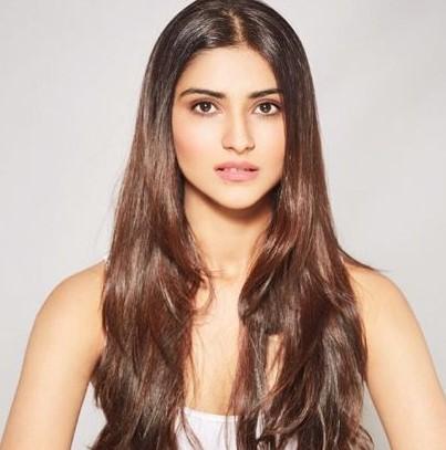 Pranutan Bahl Actress
