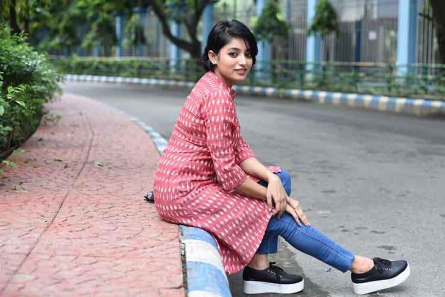 Ishaa Saha Actress