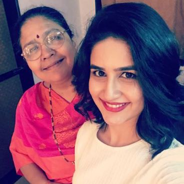 Vaidehi Parshurami With Her Mother