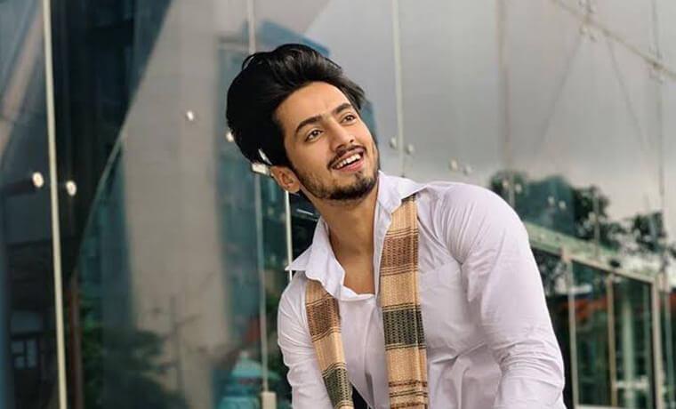 Faisal Shaikh Tiktok Star