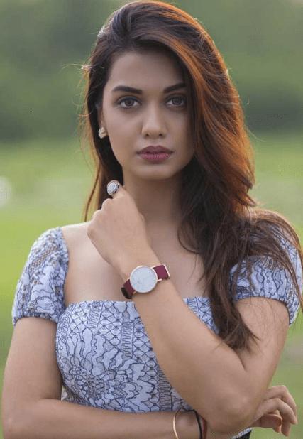 Divya Agarwal Biography