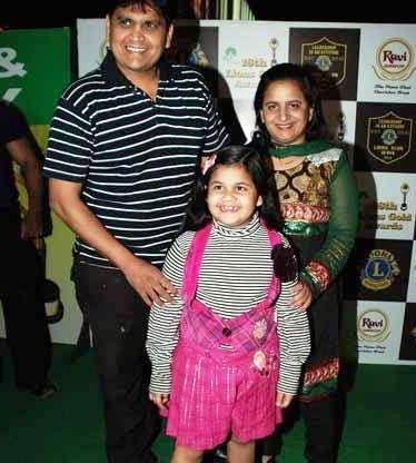 Saloni Daini With Her Mother And Father