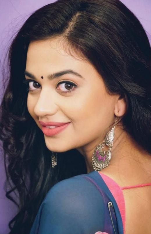 Shruti Sharma Actress