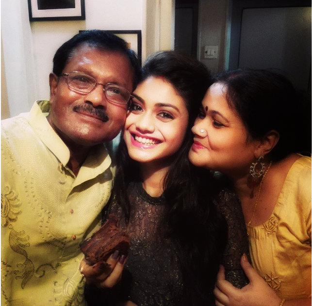 Sreejita de Mother and father