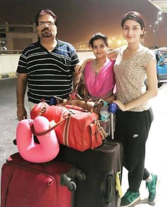 Monica Sharma With Her Mother And Father