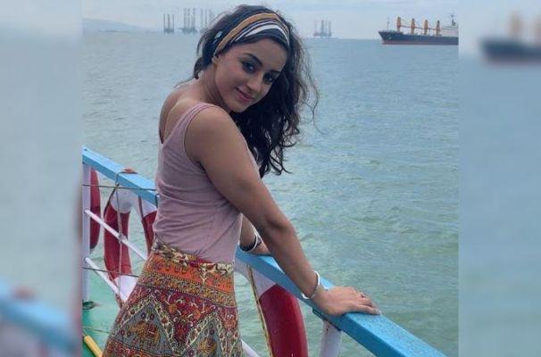 Sargun Kaur Luthra Actress