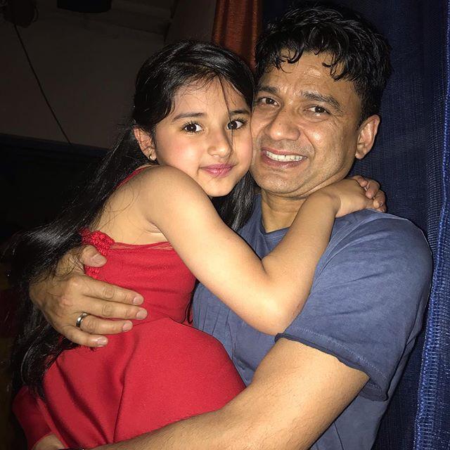 aura bhatnagar with her father
