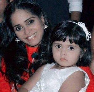 garima vikrant singh with her daughter