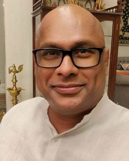 Suresh Chakravarthy BIography