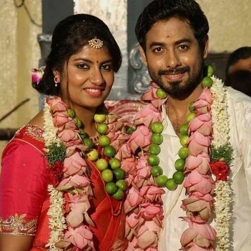 aari arjuna with her wife