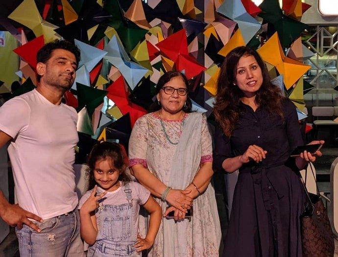 Eijaz Khan family