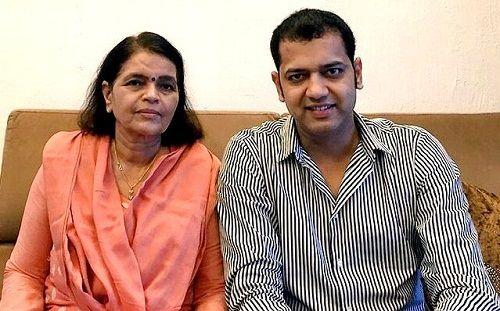 Rahul Mahajan With Her Mother