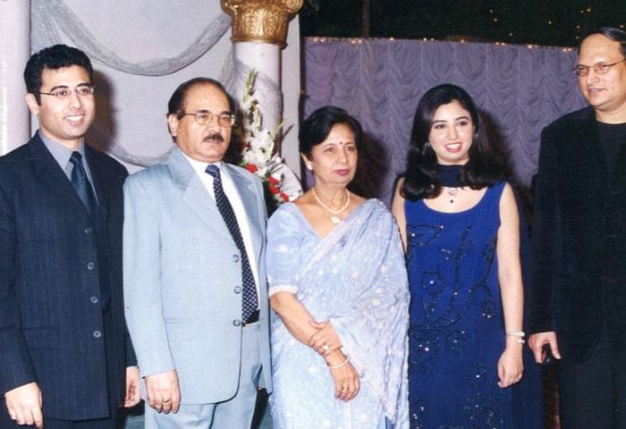 rajat sharma family