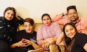 Asim Riaz family