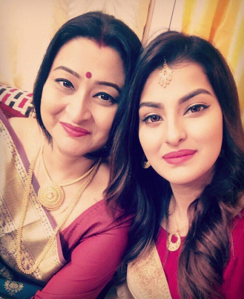 Sanjana Banerjee With Her Mother